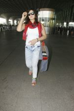 Zareen Khan snapped at airport on 28th Jan 2017 (31)_588dfd9cd6361.JPG