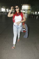 Zareen Khan snapped at airport on 28th Jan 2017 (32)_588dfda023f03.JPG