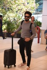 Aparichit Khurana snapped at domestic airport on 29th Jan 2017 (14)_588ee4212e8ff.JPG