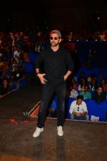 Hrithik Roshan promote Kaabil on the sets of The Kapil Sharma Show on 29th Jan 2017 (12)_588edd77d9d4d.jpg