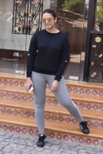 Huma Qureshi snapped at Royal Opera House as she went to shoot for House of Kotwara_s new fashion shoot on 29th Jan 2017 (12)_588ee724a184e.JPG