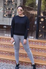 Huma Qureshi snapped at Royal Opera House as she went to shoot for House of Kotwara_s new fashion shoot on 29th Jan 2017 (17)_588ee729c5370.JPG