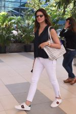 Nandita Mahtani snapped at domestic airport on 29th Jan 2017 (38)_588ee454d4ce5.JPG