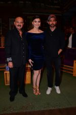 Rakesh Roshan, Urvashi Rautela, Hrithik Roshan promote Kaabil on the sets of The Kapil Sharma Show on 29th Jan 2017 (17)_588edd7bf1c3f.jpg