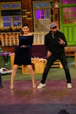 Urvashi Rautela, Hrithik Roshan promote Kaabil on the sets of The Kapil Sharma Show on 29th Jan 2017 (8)_588edd7fbbebb.jpg