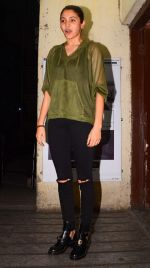 Anushka Sharma snapped at Juhu PVR on 30th Jan 2017 (17)_58903649087c0.JPG