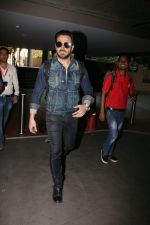 Emraan Hashmi snapped at airport on 30th Jan 2017 (27)_589030505f815.jpg