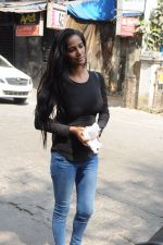 Poonam Pandey snapped in Bandra on 30th Jan 2017 (4)_58903699287e1.JPG