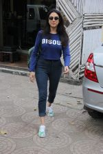 Aditi Rao Hydari snapped in Bandra on 31st Jan 2017 (11)_589187751f3ea.JPG
