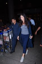 Katrina Kaif snapped at airport on 31st Jan 2017 (40)_589187a87179a.JPG