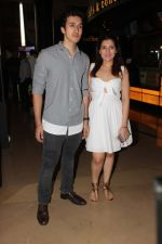 Yashvardhan Kapoor, Tina Ahuja at Aa Gaya Hero trailer launch_5892d80442edc.jpg