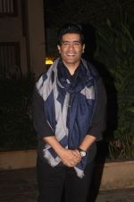 Manish Malhotra at Shahid Kapoor_s Pre Birthday Bash on 22nd Feb 2017 (1)_58afa486b7847.JPG