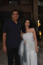 Ronnie Screwvala at Shahid Kapoor_s Pre Birthday Bash on 22nd Feb 2017 (13)_58afa514a7760.JPG