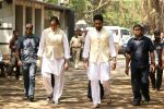 Abhishek Bachchan at the Furneral Of Sunil Shetty_s Father Veerappa T Shetty on 2nd March 2017 (91)_58b9364bb7df1.JPG
