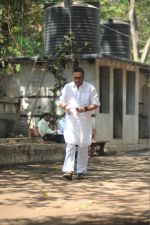Jackie Shroff at the Furneral Of Sunil Shetty_s Father Veerappa T Shetty on 2nd March 2017 (79)_58b9368705093.JPG