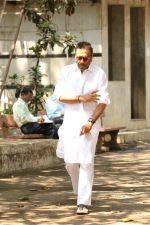 Jackie Shroff at the Furneral Of Sunil Shetty_s Father Veerappa T Shetty on 2nd March 2017 (82)_58b9369305c3c.JPG