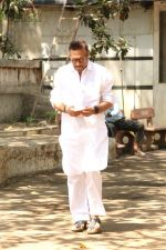Jackie Shroff at the Furneral Of Sunil Shetty_s Father Veerappa T Shetty on 2nd March 2017 (83)_58b93696315d8.JPG