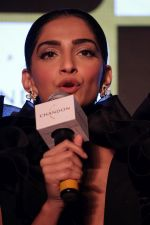 Sonam Kapoor at Chandon_s Party Starter Song with singer Anushka on 2nd March 2017 (45)_58b93dc277ce6.JPG