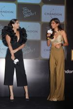 Sonam Kapoor at Chandon_s Party Starter Song with singer Anushka on 2nd March 2017 (14)_58b93d9118094.JPG