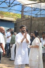 Sunil Shetty at the Furneral Of Sunil Shetty_s Father Veerappa T Shetty on 2nd March 2017 (41)_58b936d3ab112.JPG