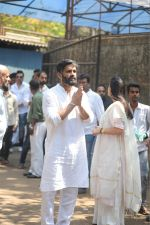 Sunil Shetty at the Furneral Of Sunil Shetty_s Father Veerappa T Shetty on 2nd March 2017 (42)_58b936d818966.JPG