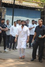 Sunil Shetty at the Furneral Of Sunil Shetty_s Father Veerappa T Shetty on 2nd March 2017 (65)_58b93719038f5.JPG