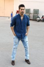 Varun Dhawan at the Promotional Interview for Badrinath Ki Dulhania on 2nd March 2017 (32)_58b93fb45aae3.JPG
