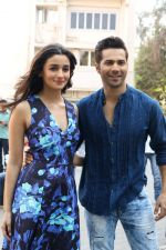 Varun Dhawan, Alia Bhatt at the Promotional Interview for Badrinath Ki Dulhania on 2nd March 2017 (16)_58b93fcbf099d.JPG