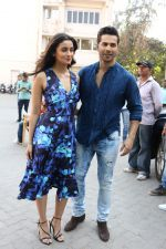 Varun Dhawan, Alia Bhatt at the Promotional Interview for Badrinath Ki Dulhania on 2nd March 2017 (18)_58b93fce48cd9.JPG