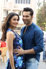 Varun Dhawan, Alia Bhatt at the Promotional Interview for Badrinath Ki Dulhania on 2nd March 2017 (20)_58b93fd7dc62f.JPG
