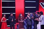Kumar Sanu & Alka Yagnik At Semi Finale Of The Voice India Season 2 on 6th March 2017 (12)_58be575e2a1dc.JPG