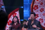 Kumar Sanu & Alka Yagnik At Semi Finale Of The Voice India Season 2 on 6th March 2017 (8)_58be56d39882c.JPG