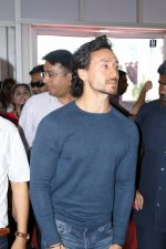 Tiger Shroff Launches Mumbai International Motor Show 2017 on 9th March 2017 (18)_58c272bc9cc4e.JPG