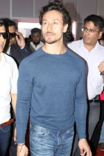 Tiger Shroff Launches Mumbai International Motor Show 2017 on 9th March 2017 (20)_58c272fcb1994.JPG