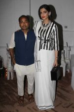 Sonam Kapoor at Raw Mango_s store launch on 9th March 2017 (10)_58c399fe54865.JPG