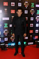 Aditya Narayan at Red Carpet Of Zee Cine Awards 2017 on 12th March 2017 (39)_58c68a3916f84.JPG