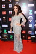 Amruta Khanvilkar at Red Carpet Of Zee Cine Awards 2017 on 12th March 2017 (23)_58c68a60393de.JPG