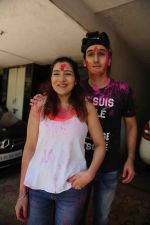 Govinda celebrates Holi with his family on 13th March 2017 (16)_58ca334d7534b.JPG