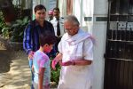 Gulzar celebrates Holi with his family on 13th March 2017 (4)_58ca306977dc8.JPG