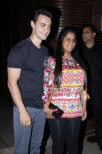 Arpita Khan at the Success Party of Badrinath Ki Dulhania hosted by Varun on 16th March 2017 (51)_58cb9291e5a35.JPG