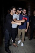John Abraham, Varun Dhawan at the Success Party of Badrinath Ki Dulhania hosted by Varun on 16th March 2017 (29)_58cb932d7882a.JPG