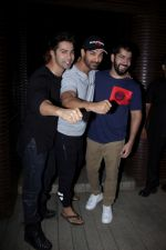 John Abraham, Varun Dhawan at the Success Party of Badrinath Ki Dulhania hosted by Varun on 16th March 2017 (30)_58cb932fb3afd.JPG