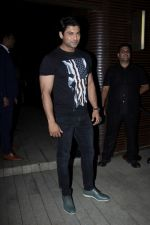 Siddharth Shukla at the Success Party of Badrinath Ki Dulhania hosted by Varun on 16th March 2017 (16)_58cb93c1649c6.JPG