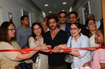 Shah Rukh Khan Launches Bone Marrow Transplant Centre & Birthing Centre at Nanavati Super Speciality Hospital with Chairman and M.D. Abhay Soi and family (2)_58ce7668767b4.JPG