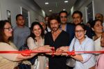 Shah Rukh Khan Launches Bone Marrow Transplant Centre & Birthing Centre at Nanavati Super Speciality Hospital with Chairman and M.D. Abhay Soi and family (6)_58ce76a569c9a.JPG