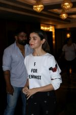 Alia Bhatt at The Launch Of Life Sim Experiential Game Alia Bhatt Star Life on 21st March 2017 (3)_58d21d806db51.JPG