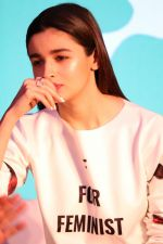 Alia Bhatt at The Launch Of Life Sim Experiential Game Alia Bhatt Star Life on 21st March 2017 (30)_58d21dcbb6805.JPG