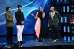 Sonakshi Sinha on th Sets Of Indian Idol to Promote Film Noor on 22nd March 2017 (27)_58d370deb90eb.JPG