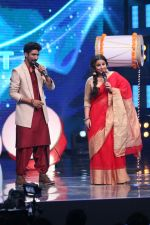 Vidya Balan on the Sets Of Indian Idol to Promote Film Begum Jaan on 22nd March 2017 (14)_58d3704d69578.JPG