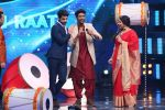 Vidya Balan on the Sets Of Indian Idol to Promote Film Begum Jaan on 22nd March 2017 (16)_58d370534bb02.JPG